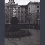 Памятник Зое Космодемьянской. Улица Новороссийская, Ленинский район