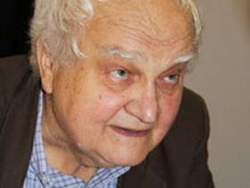 """В.В.Иванов: """"Путин вообще ни на что не способный человек. Это очень хорошо, потому что иначе, при его криминальной сущности, он мог бы задушить страну, залить ее кровью. Но тем не менее он остается опасным. Это мое впечатление от короткого личного разговора с ним. Он мне должен был в 2003-м вручить медаль, а я воспользовался этим, чтобы поговорить о только что арестованном Ходорковском. И степень злобы, его охватившей, была просто фантастической. Это человек, охваченный только дурными эмоциями."""