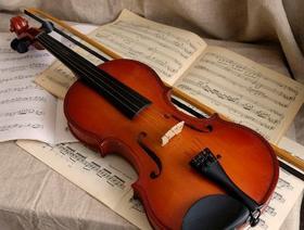Владимир Спиваков подарил миасской школьнице старинную скрипку
