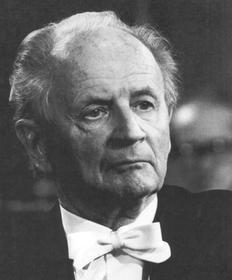 На фото: немецкий пианист и композитор Вильгельм Кемпф (1895-1991)